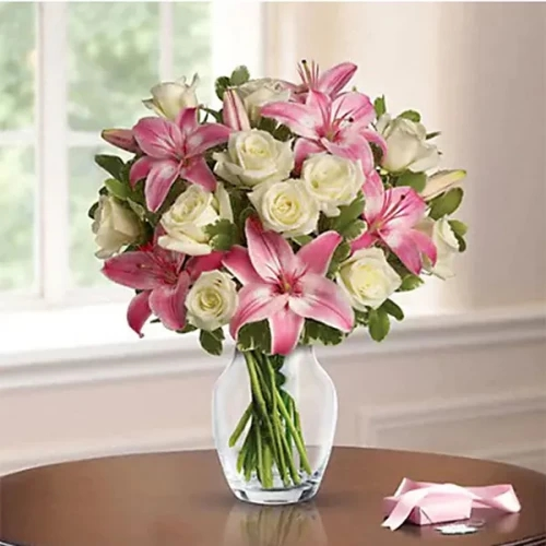 Lovely pink lily and white rose