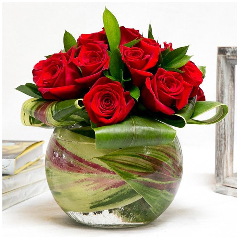 17 red Rose with glass vase arrangement