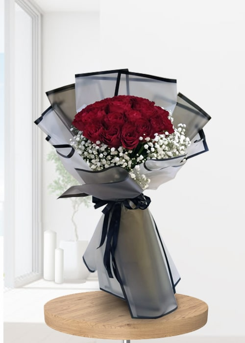 Enticing 10 Red Rose Bouquet