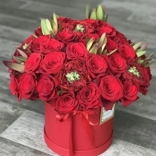 60 red rose arrangement in red box
