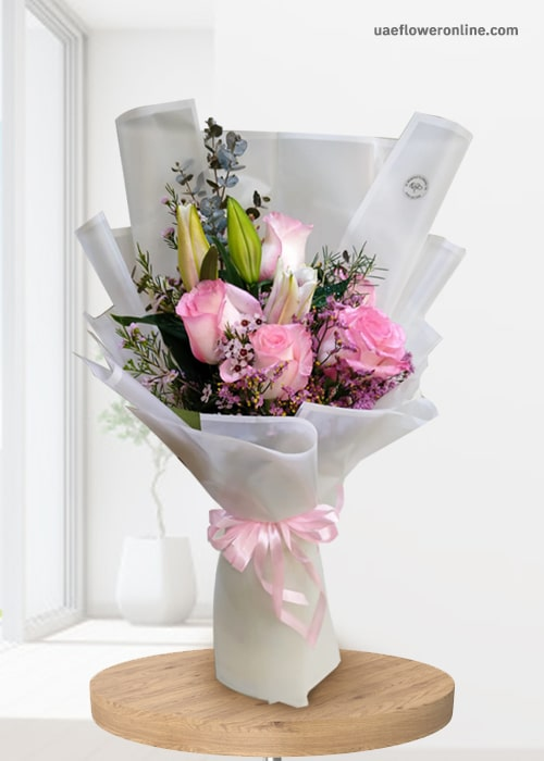 Bunch of 1 Pink Lily and 5 pink rose