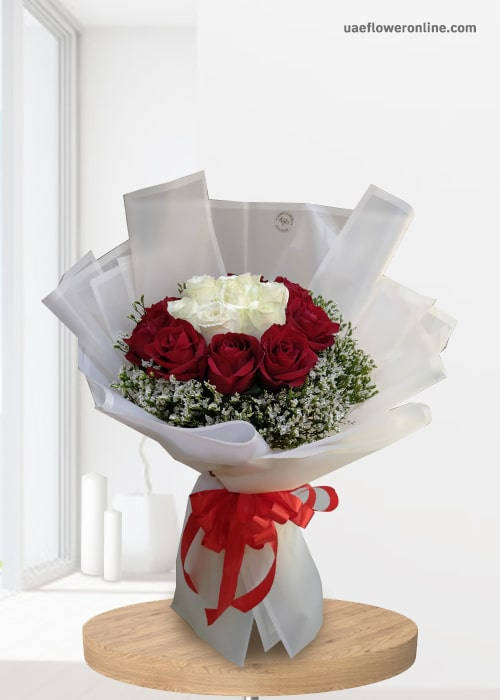 5 white rose 10 red rose bouquet