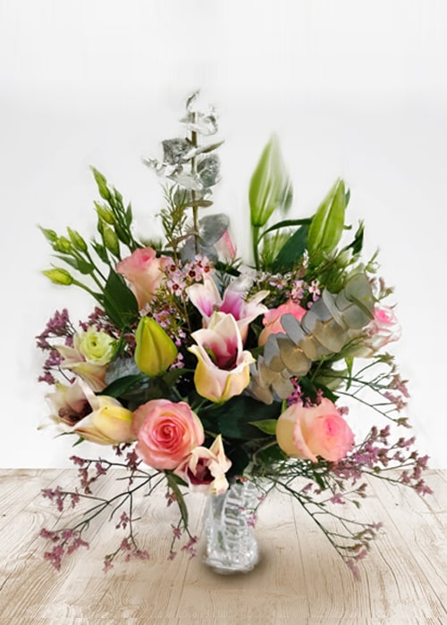 Awesome Rose and Lily Arrangements