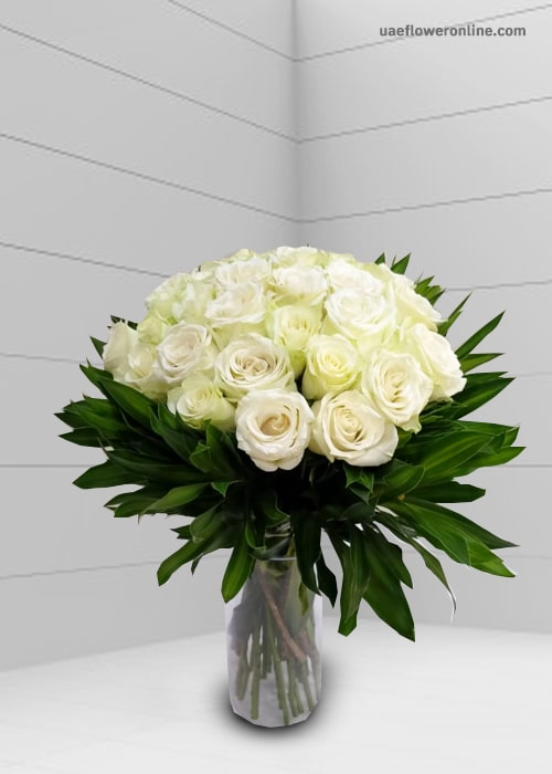 24 Stam white rose with green lives with glass vase