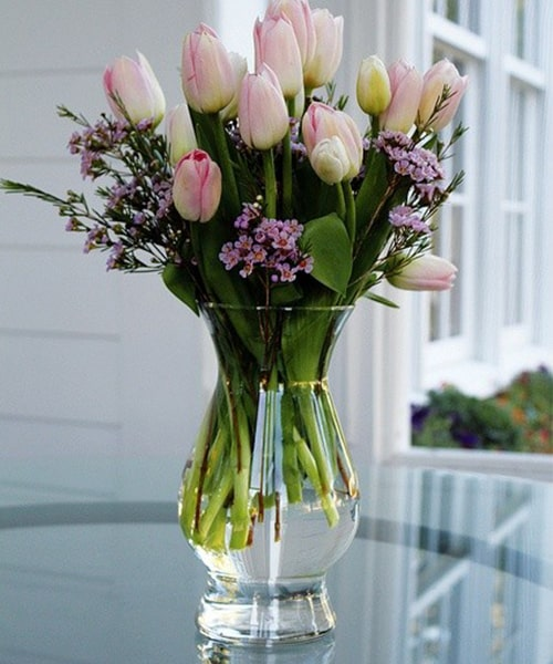 15 pink tulip with glass vase