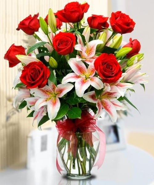 10 stem red rose 15 pink Lily with glass vase