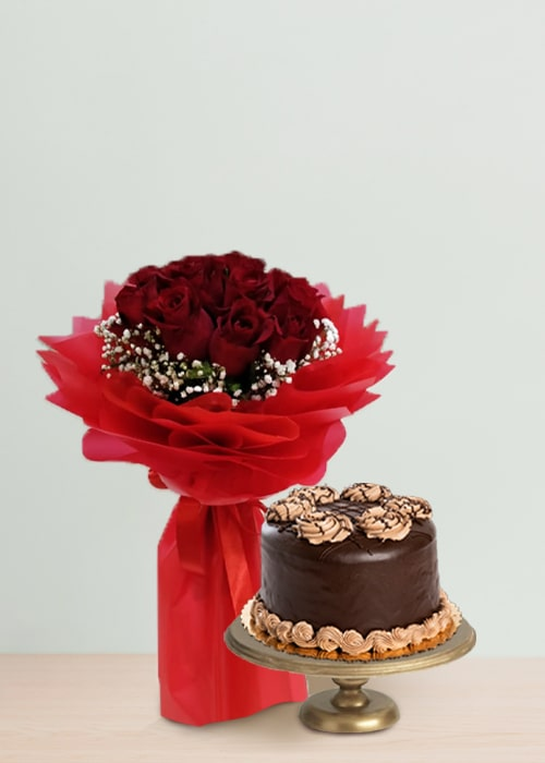 10 red rose bouquet with chocolate cake