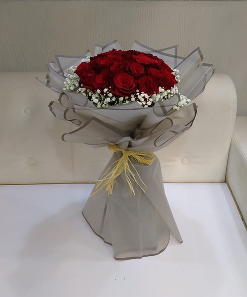 Gorgeous 15 red rose bouquet