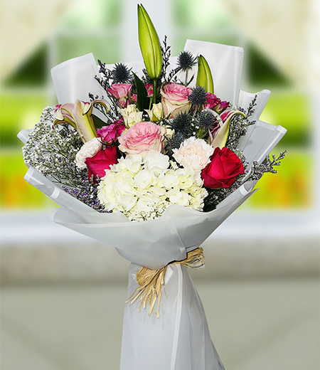 Beautiful Lily and Red rose bouquet