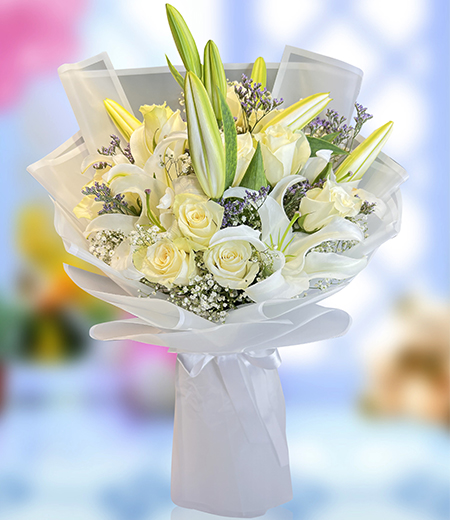 Beautiful Lily and White rose bouquet
