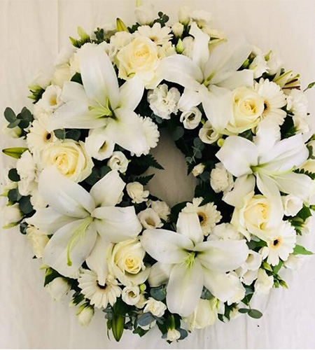 Round shaped funeral flowers