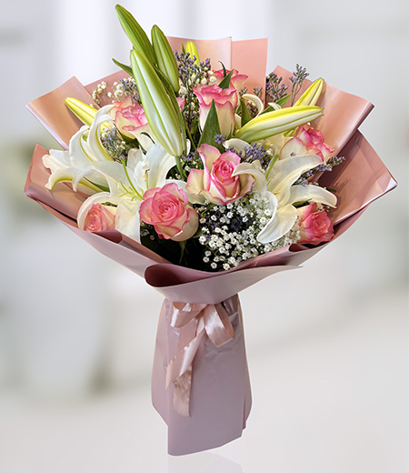 Beautiful Pink rose and lily Bouquet