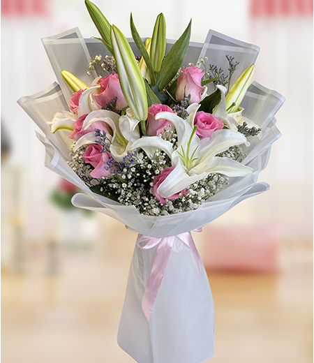Royal 7 Pink rose lily bouquet