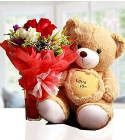 Rose bouquet with teddy