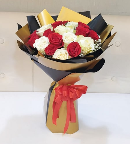 Fabulous 15 red & white roses bouquet