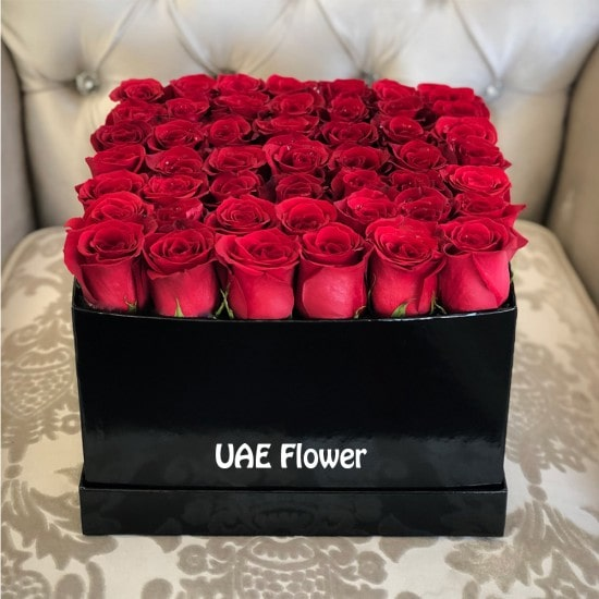welformed Red Rose In Large Square Box