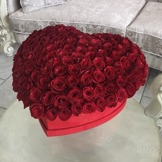 astonishing 150 Roses In a Heart