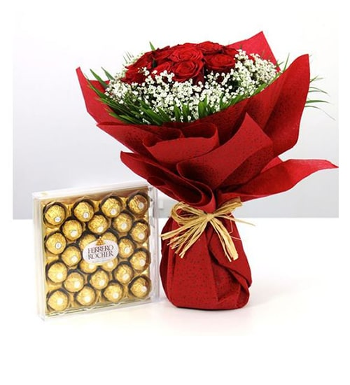 Mindblowing re roses bouquet with ferrero rocher